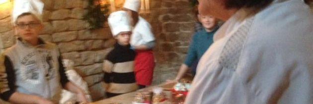 """""""Il dolce in una stanza"""" Al Natale di Assisi una biscotteria per piccoli pasticcioni"""