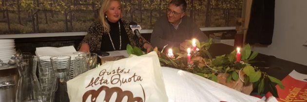 """Presentazione dei """"Mercatini di natale ad Alta Quota – Mostra mercato del farro Dop"""" a Monteleone di Spoleto"""