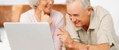 Priorità post COVID-19: colmare il divario digitale per gli over 65